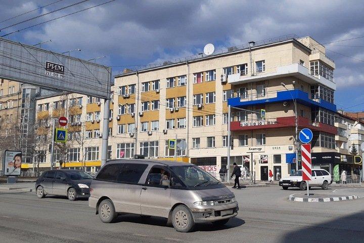 Здание-образец конструктивизма продается в Новосибирске за 450 млн рублей