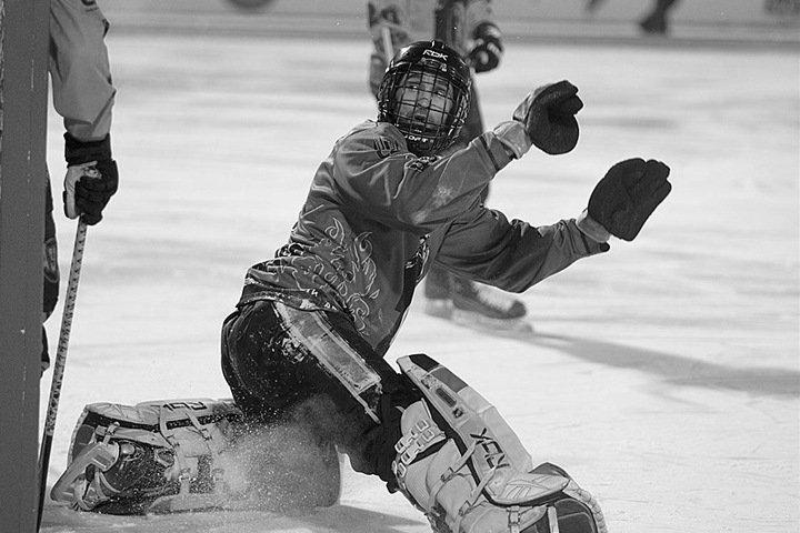 Чемпион мира по хоккею с мячом покончил с собой в Кемерове