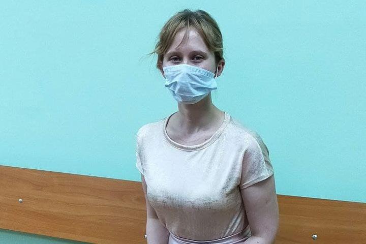 Новосибирский суд оштрафовал девушку с годовалым ребенком за пост о митинге