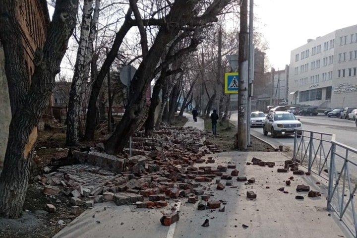 Новосибирский СК начал проверку после обрушения стены психбольницы