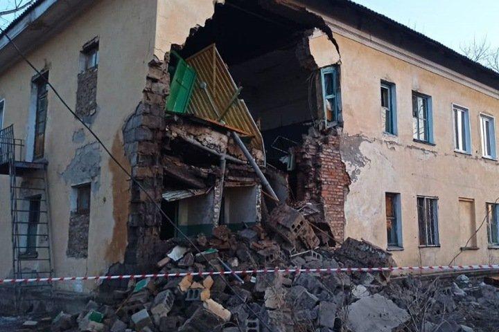 Часть жилого дома обрушилась в Канске