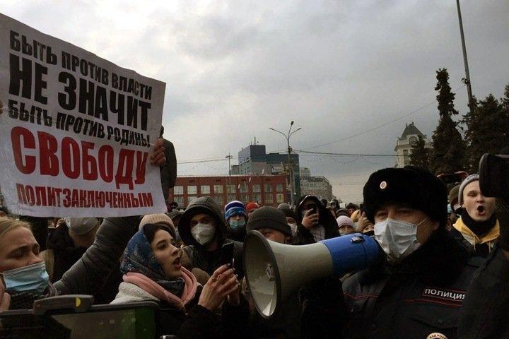 «Узкая группировка лиц не желает сменяемости власти». Муниципальные депутаты выступили против репрессий