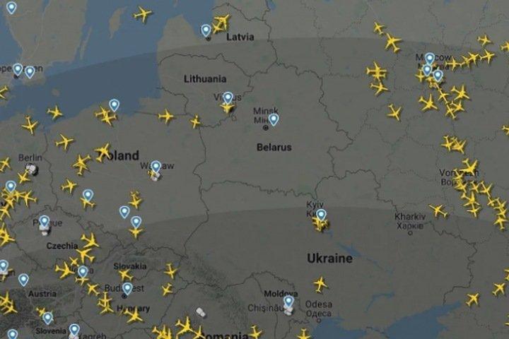 Над всей Белоруссией чистое небо: Мазур о посадке в Минске самолета с оппозиционером на борту