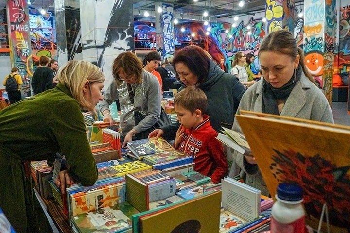 «Мы в трех шагах от запрета книг»: на новосибирском фестивале обсудят цензуру и закон о просветительстве