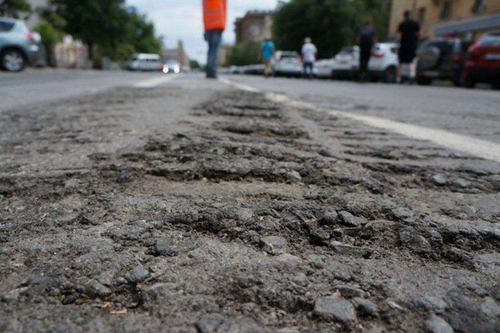 Улицу Широкую начали ремонтировать в Новосибирске. Депутат называет ее «Глубокой»