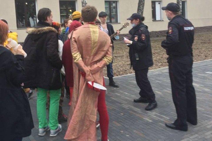 Полиция задержала 20 томичей на карнавале с музыкальными инструментами
