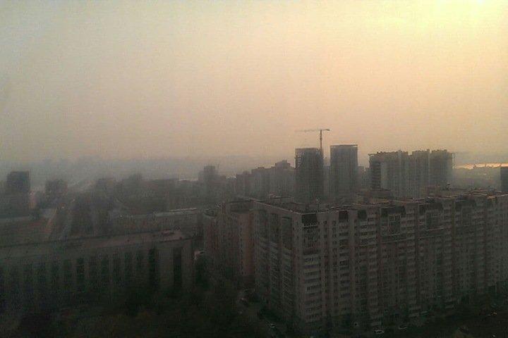 Смог от пожаров затянул Новосибирск