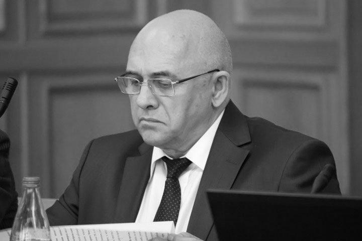 «С пчелиной ненавистью ненавидел трутней»: воспоминания об умершем новосибирском экс-министре Сергее Пыхтине