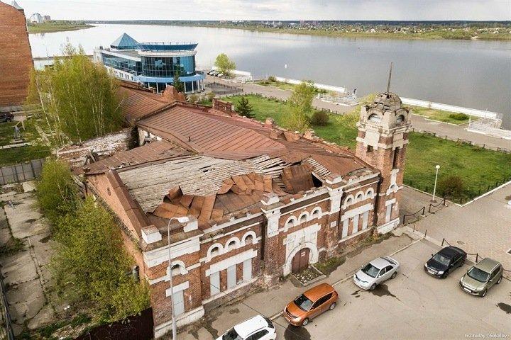 Новосибирские бизнесмены отреставрируют томскую достопримечательность под бани