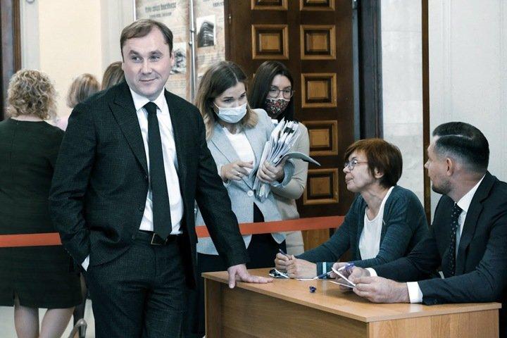 Сколько получили богатейшие депутаты горсовета Новосибирска в 2020 году