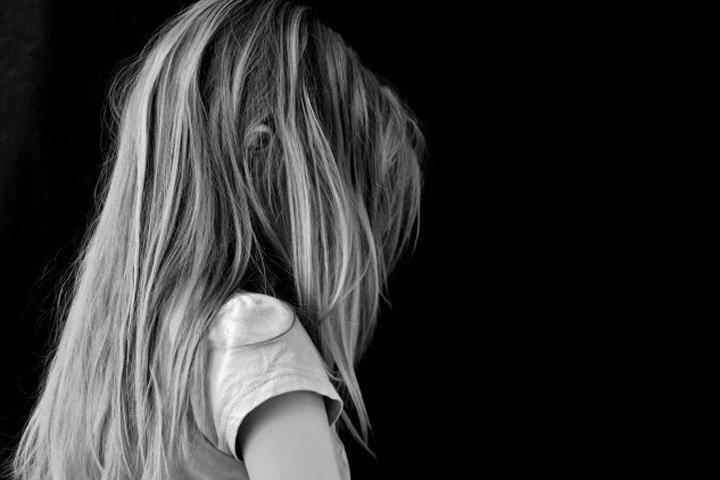 Смерть алтайской школьницы после конфликта с завучем списали на несчастный случай во время еды