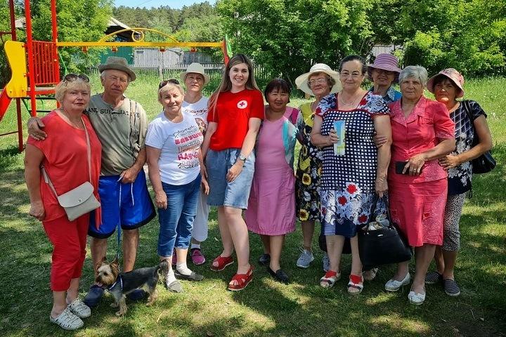 Новосибирский «Красный Крест» начал обучать пенсионеров мобильной грамотности