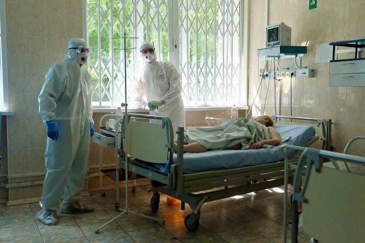 Почти 100 новосибирцев попали в больницы с коронавирусом за сутки