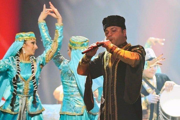Черный чай и гранат: азербайджанцы в Сибири сохраняют традиции