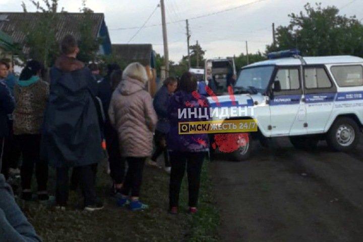 Многодетный отец убил дочь, изрезал сына и жену в Омской области