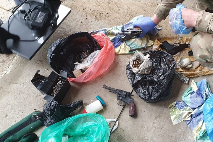 Оружие нашли у контрабандистов сибирского леса в Китай