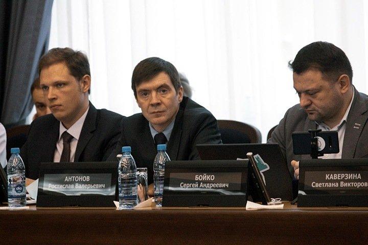 Новосибирского депутата вызвали в центр «Э» после поста о давлении азербайджанской диаспоры