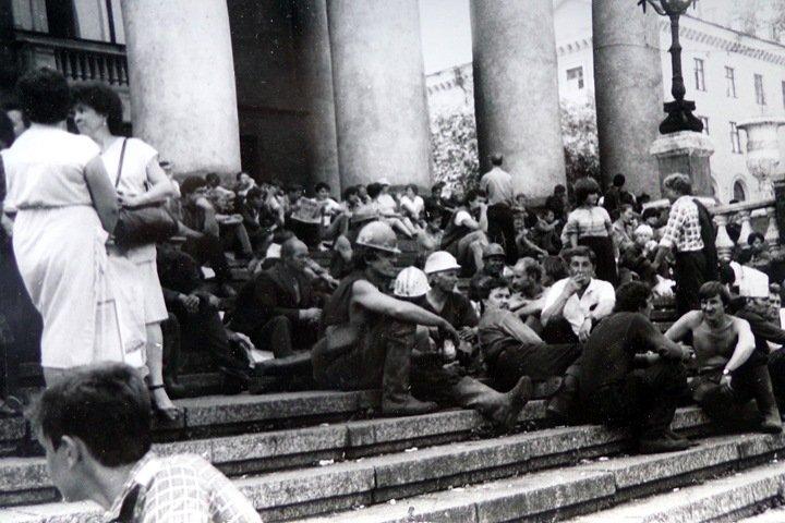 Поражение на площади Победы. От первой забастовки шахтеров в Кузбассе до «марша на всё согласных»