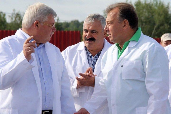 Сельхозкооператив томского депутата-единоросса уличили в продаже мяса умерших коров людям