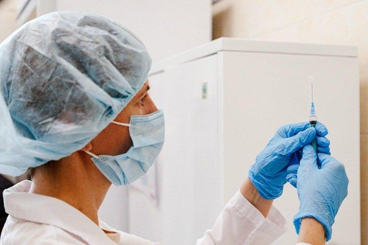 Пенсии сокращаются, сибиряки не хотят вакцинироваться. Числа недели