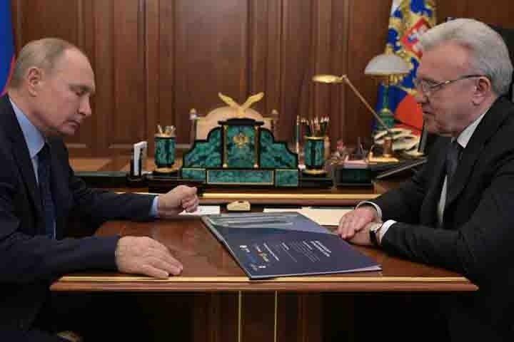 Путин потребовал от красноярского губернатора качественных дорог