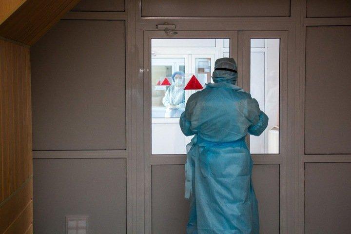 Десять пациентов скончались от коронавируса в Новосибирской области за сутки