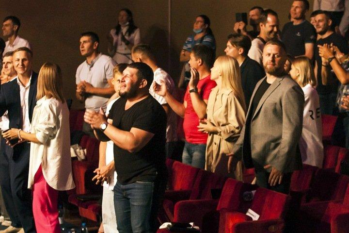 Признанная нежелательной церковь «Новое поколение» оказалась связана с новосибирским депутатом и похищениями
