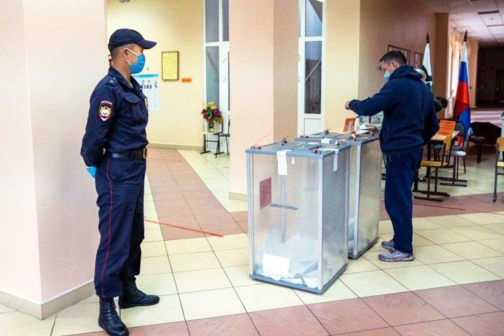 Новосибирскую «ЕР» на выборах Госдумы спонсирует глава муниципалитета. Партии собрали более 180 млн