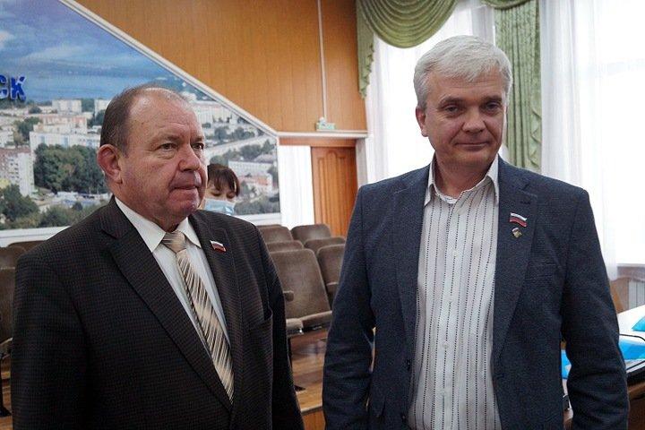 Спикер горсовета Бердска заявил, что после выборов улицу жителям можно не ремонтировать