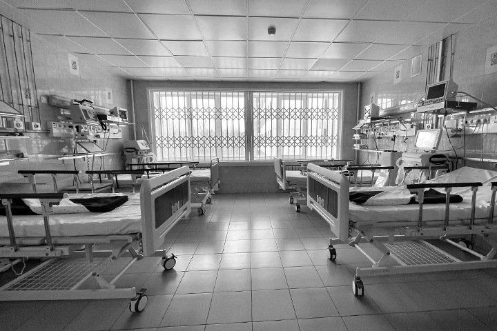 Почти 200 новосибирцев с коронавирусом остаются в реанимациях