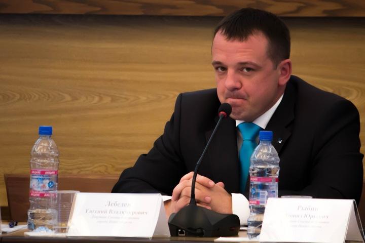 Вице-спикером новосибирского горсовета стал не запомнивший имени своего коллеги депутат от ЛДПР