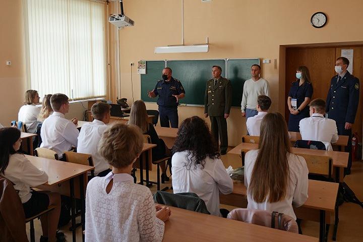 Новосибирская школа открыла класс для будущих сотрудников ФСИН
