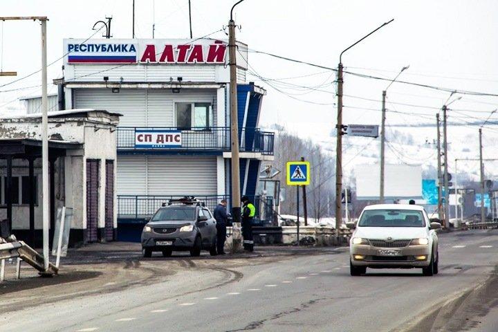 Кто пошел в Госдуму от Алтая: чиновник против депутата и эсер с деньгами новосибирского единоросса