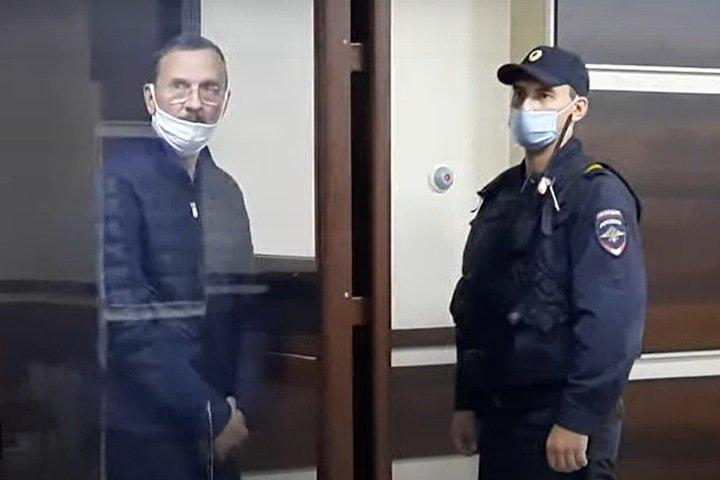 Родственников осужденного бывшего вице-мэра Барнаула подозревают в оскорблении судьи: «Твари, сдохните все!»