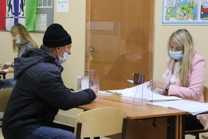 Почти четверть новосибирцев проголосовала на выборах Госдумы. Темпы явки выросли