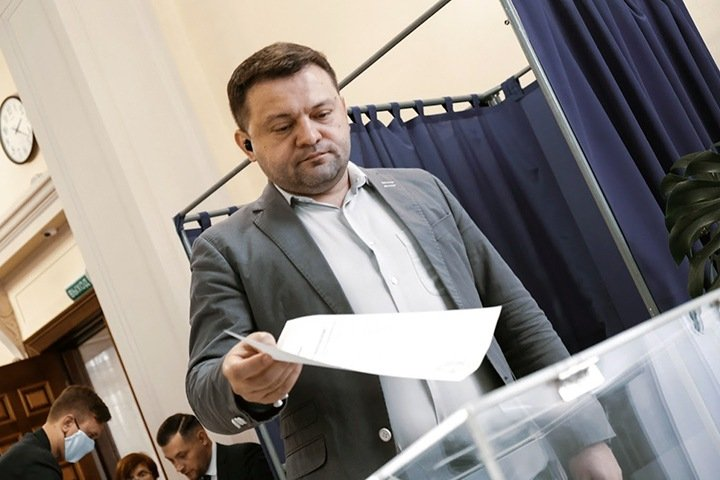 Почему Украинцев, а не Жирнов: организаторы «Умного голосования» объяснили свой выбор в Новосибирске