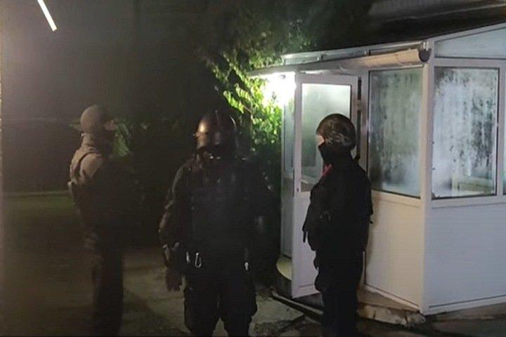 «Имитировали изнасилование»: в Иркутске бойцы спецназа и Росгвардии пытали Свидетелей Иеговы при задержании
